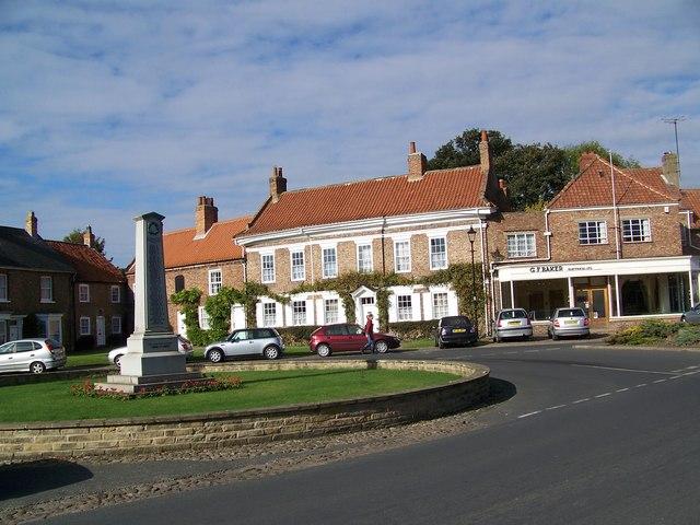 War Memorial, Easingwold - geograph.org.uk - 589537