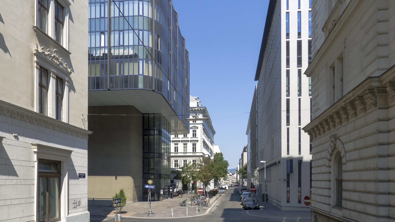 Wien 01 Hohenstaufengasse a.jpg