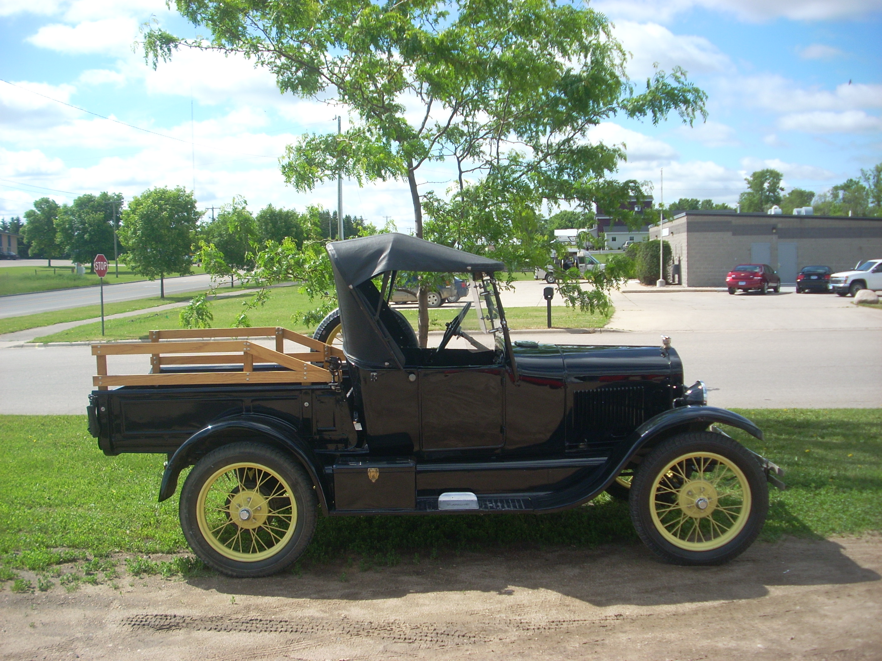 File1926 Ford Model T  right side viewjpg  Wikimedia Commons
