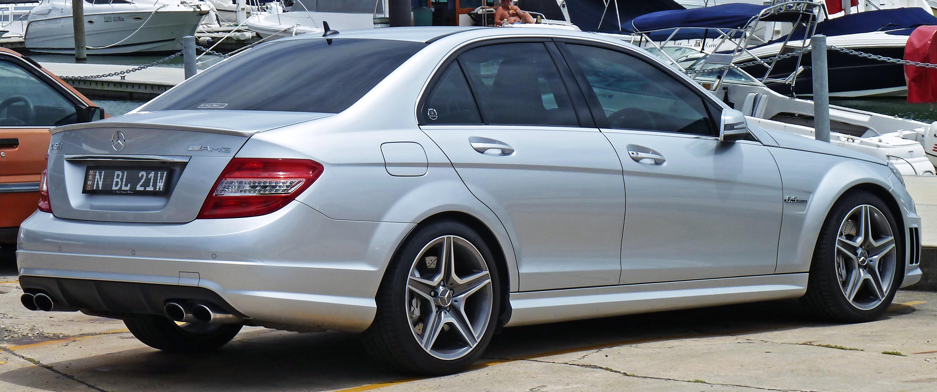 File 2010 mercedes benz c 63 amg w 204 sedan 2010 12 28 for Mercedes benz e350 amg 2010