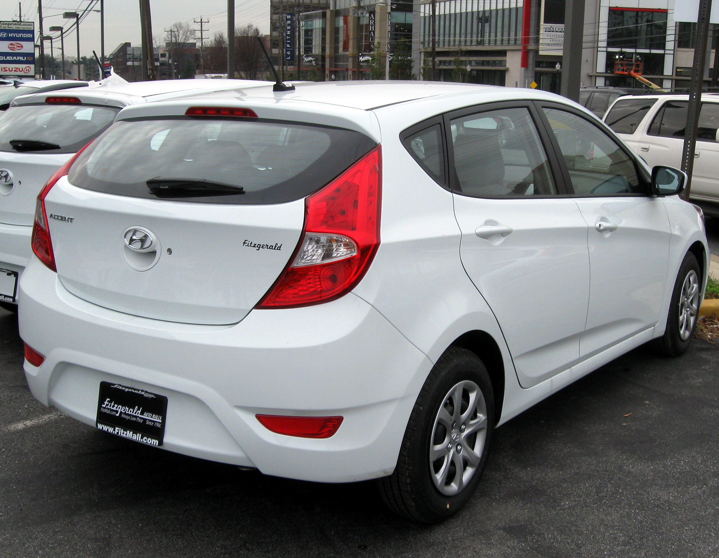 File 2012 Hyundai Accent Gs Hatchback 12 14 2011 Jpg Wikimedia Commons