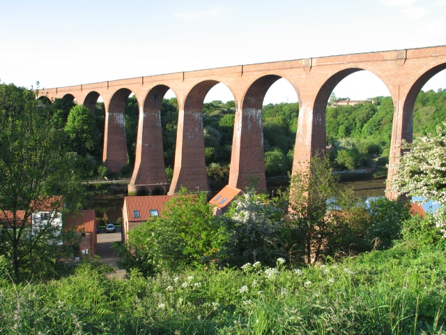 Abandoned Railway Viaduct over the River Esk at Whitby - geograph.org.uk - 1605143