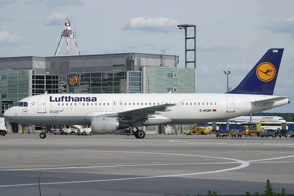 file airbus a320 211 lufthansa wikimedia commons. Black Bedroom Furniture Sets. Home Design Ideas