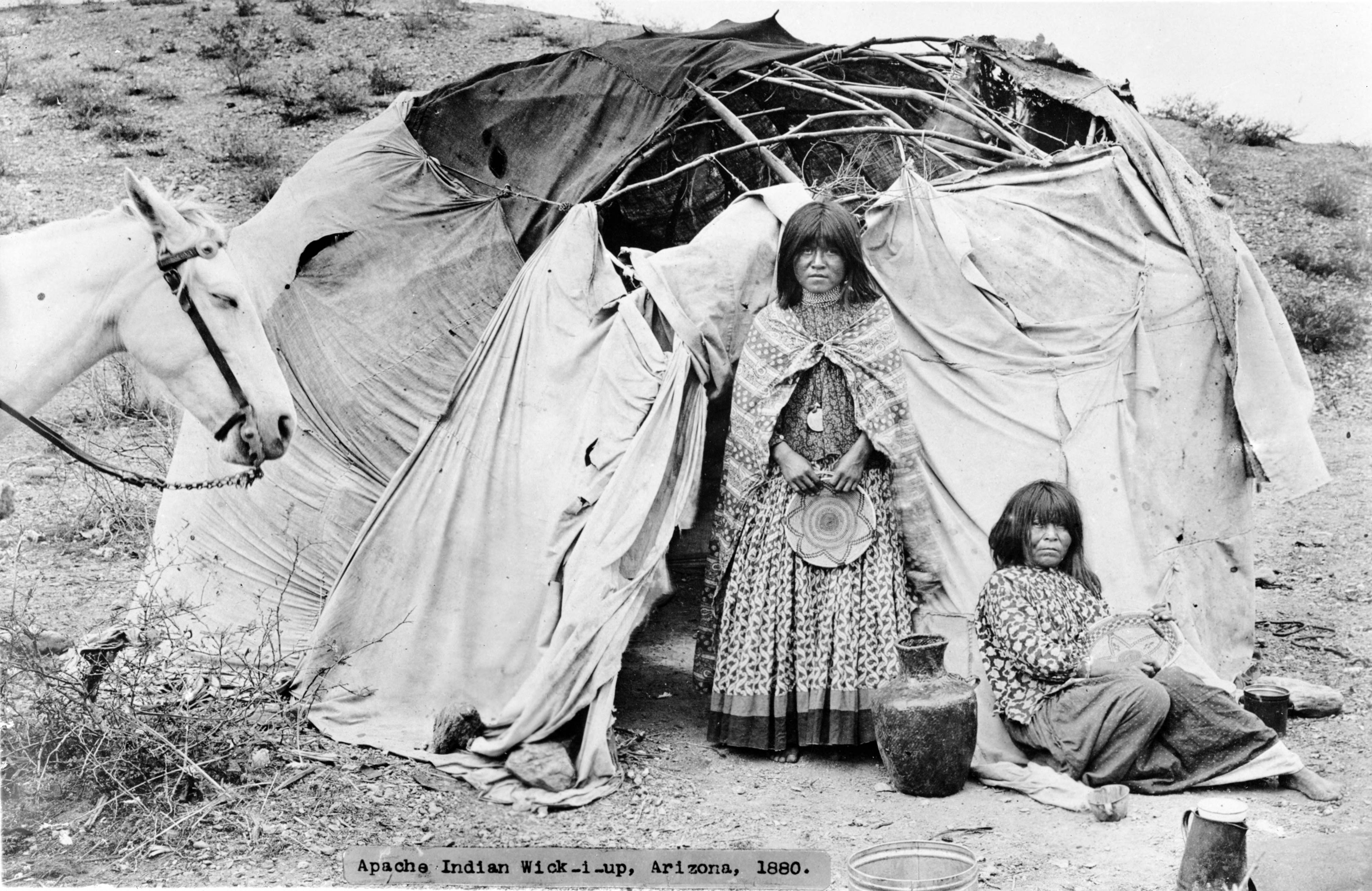 File:Apache wickiup.jpg
