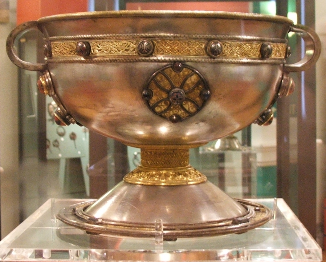 File:Ardagh chalice.jpg - Wikipedia, the free encyclopedia