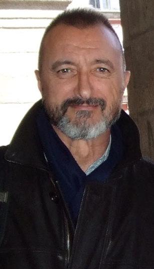 File:Arturo Pérez-Reverte (cropped).jpg