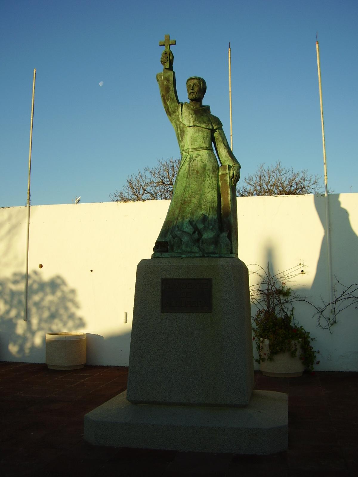 Estátua do Beato Vicente