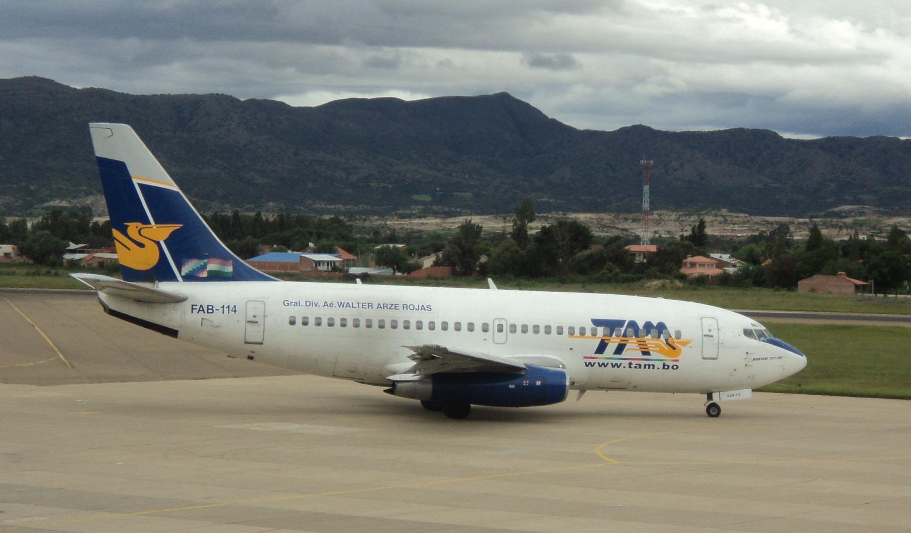 Archivo Boeing 737-200 De Tam En Tarija Jpg