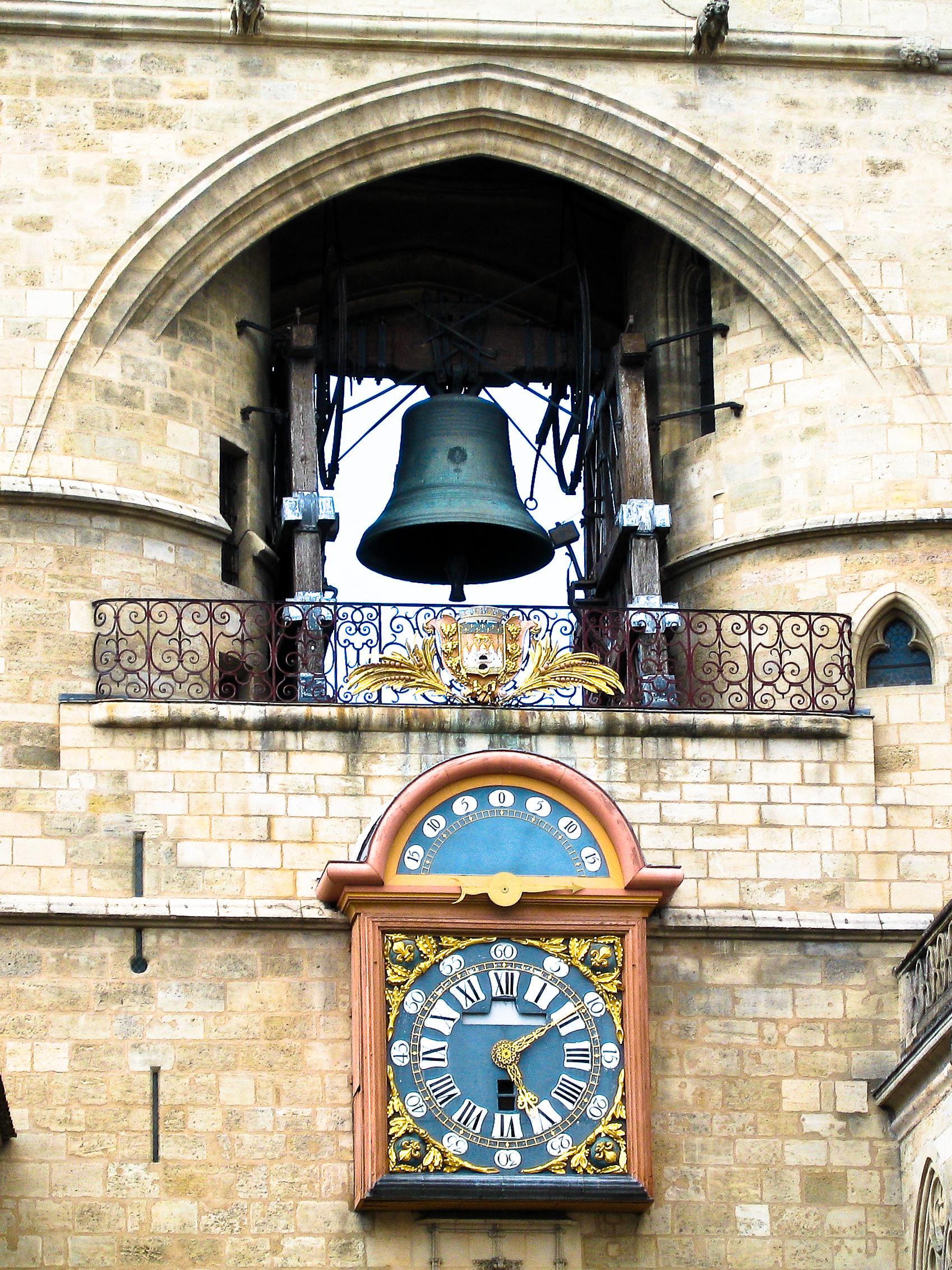File bordeaux grosse cloche detail wikimedia commons for Appartement bordeaux grosse cloche
