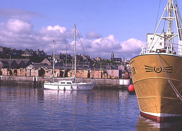 Buckie_Harbour_-_geograph.org.uk_-_22338