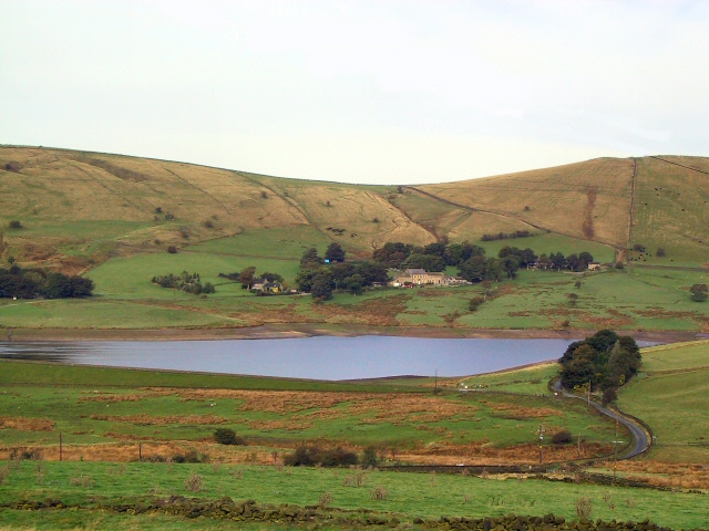 Castleshaw Lower Reservoir - geograph.org.uk - 63345