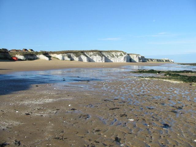 Chalk cliffs behind Botany Bay - geograph.org.uk - 1031304