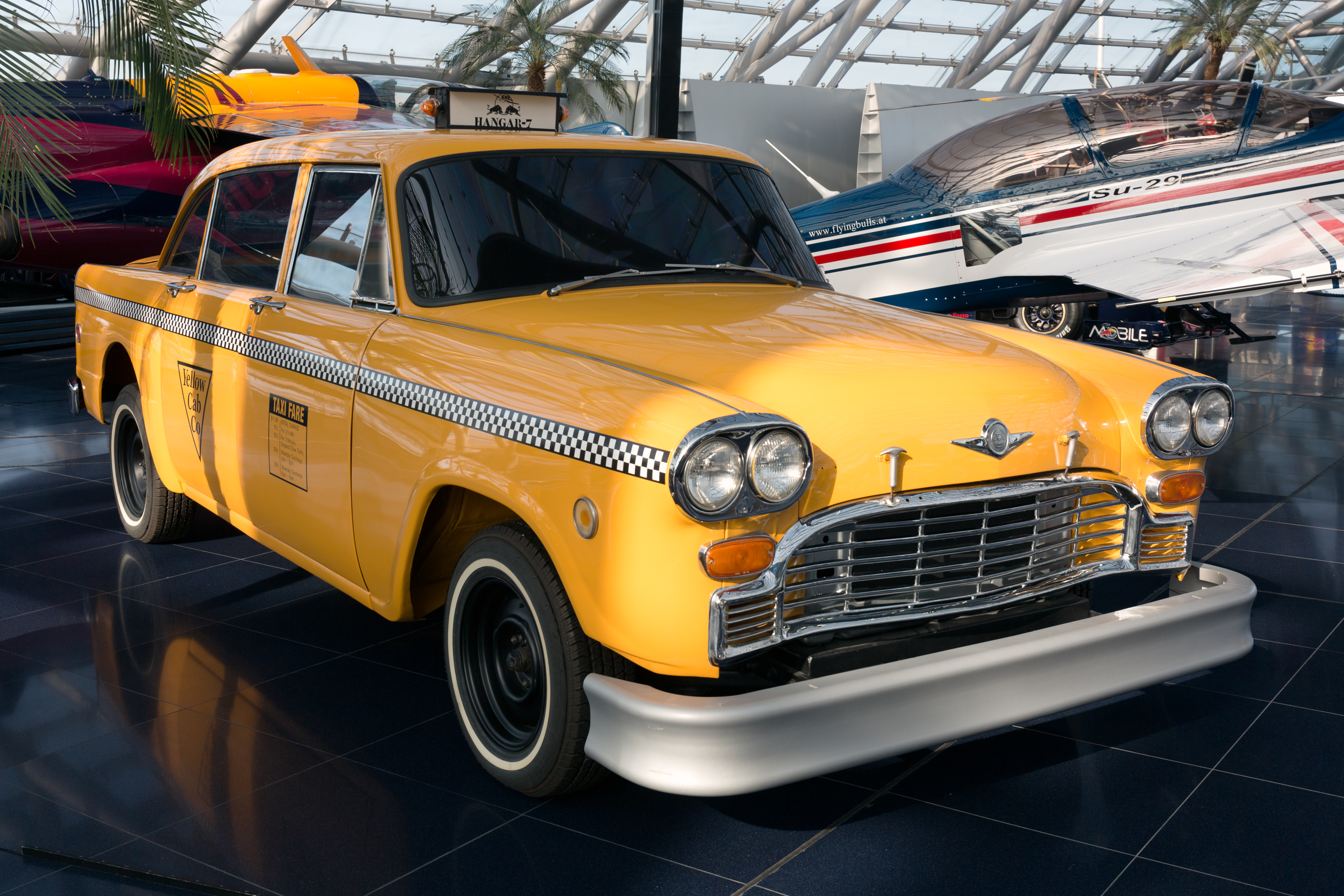 Checker_Marathon_%28Yellow_Cab%29_front-