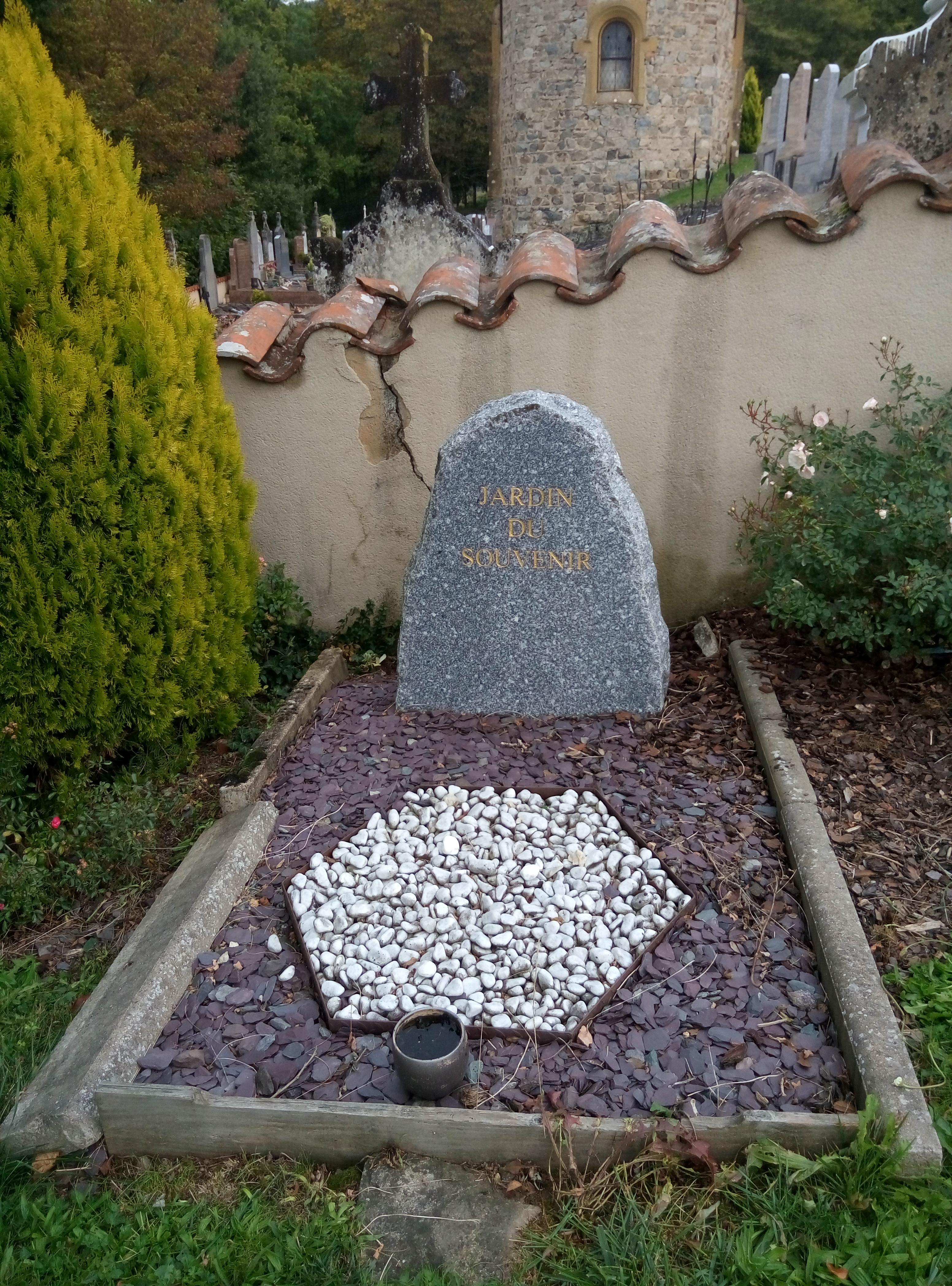 File Cimeti¨re de Ronno Jardin du souvenir Wikimedia mons