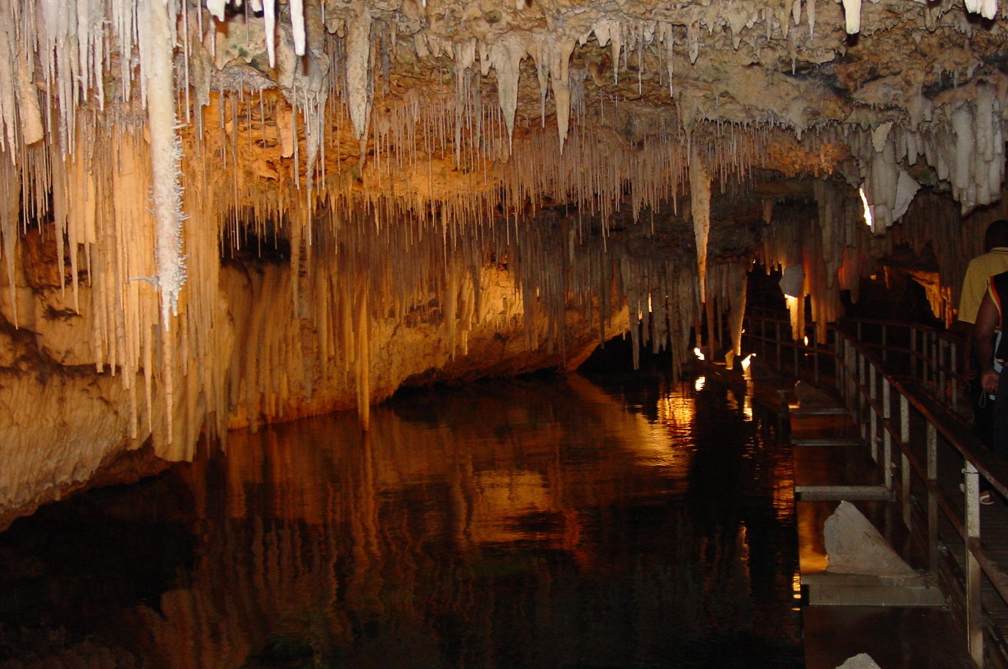 Crystal_Cave_Bermuda_1.jpg