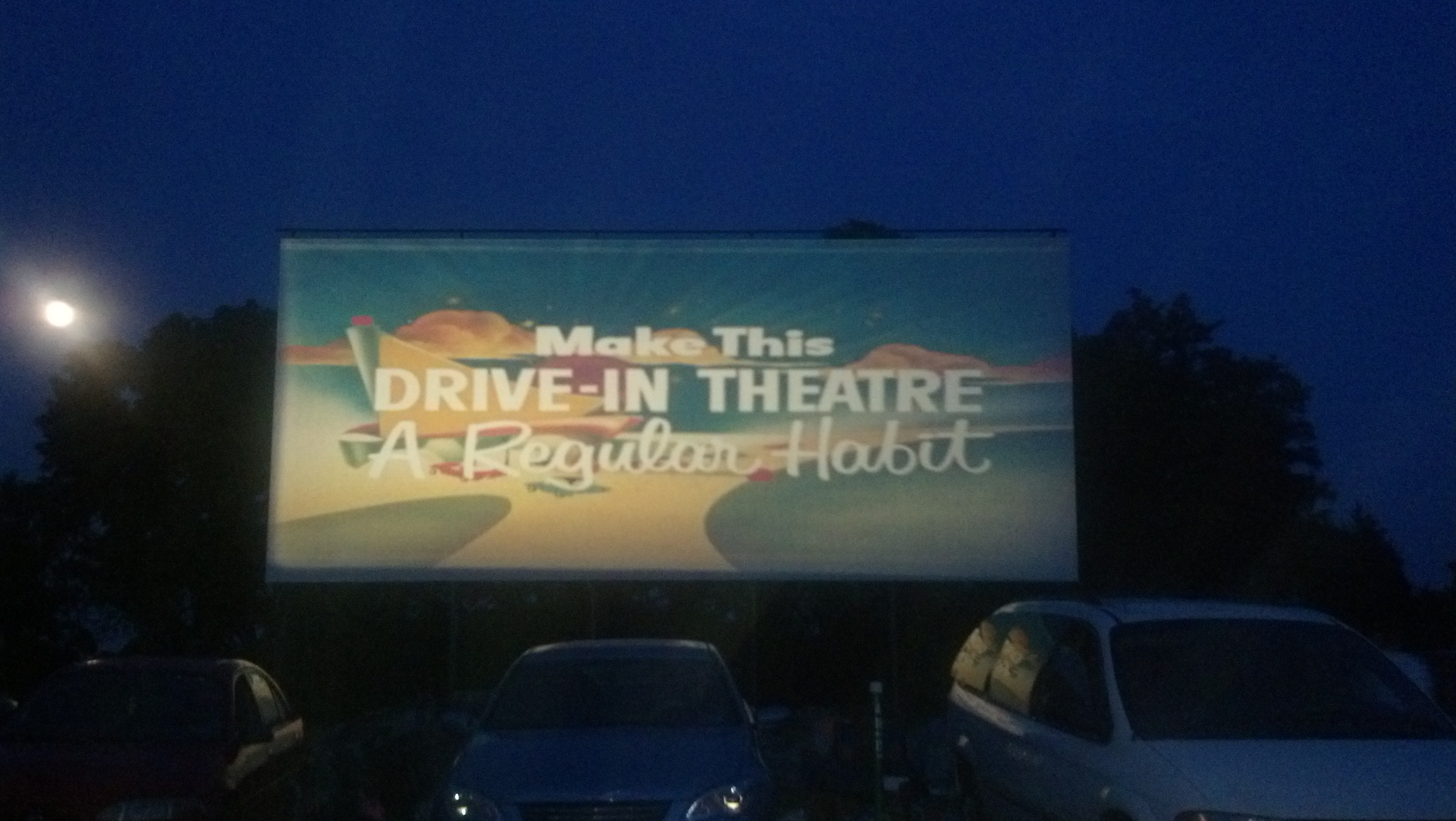 drivein movie theaters are dying but they shouldnt be