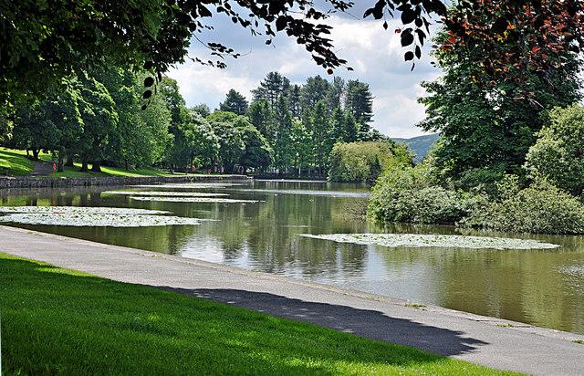 Cyfartha Castle Lake - Merthyr Tydfil - geograph.org.uk - 1360588