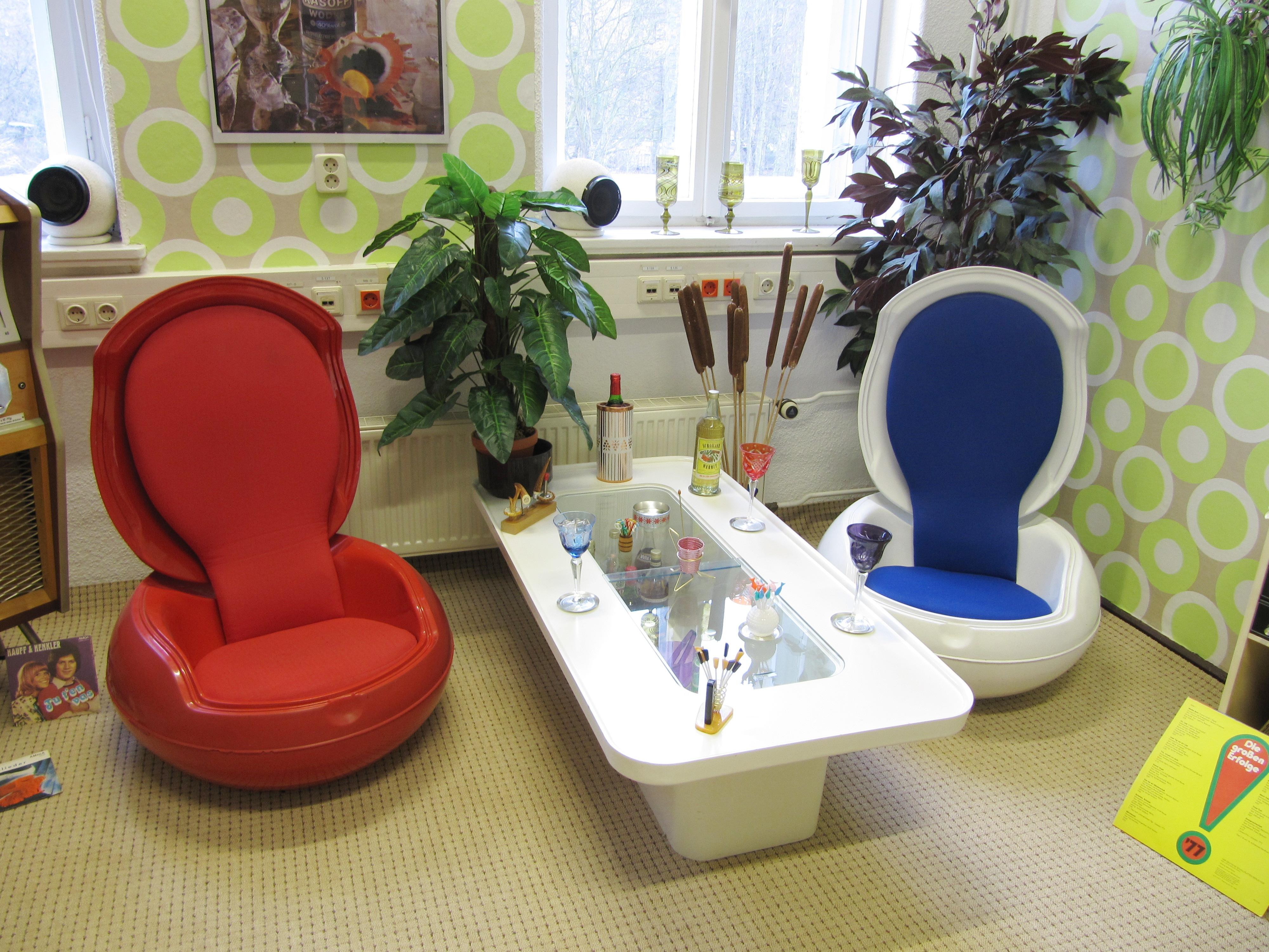 file ddr museum pirna kunststoffgegenst nde senftenberger. Black Bedroom Furniture Sets. Home Design Ideas