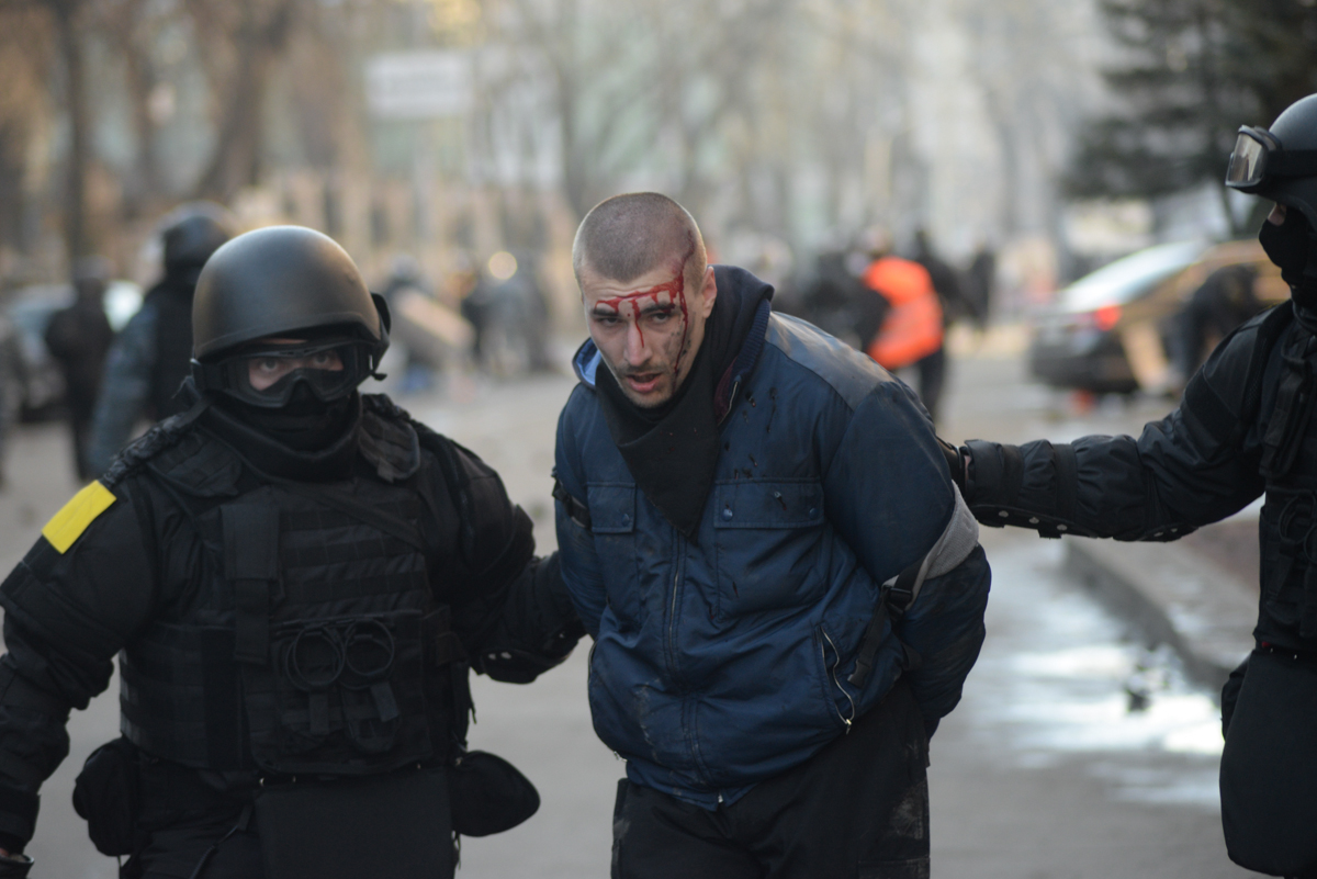 Officers clashes in ukraine kyiv events of february 18 2014