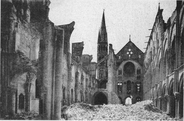 File:Destructions Reims cathédrale 1914.jpg