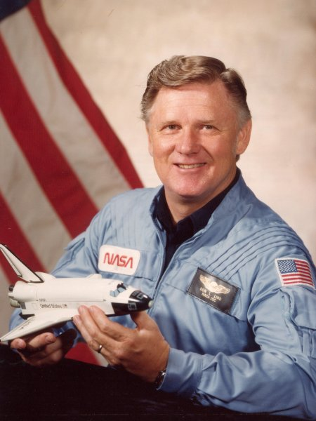 Astronaut Don Lind, NASA photo Source: Wikipedia (www.jsc.nasa.gov unavailable May 2020) Don_Lind.jpg