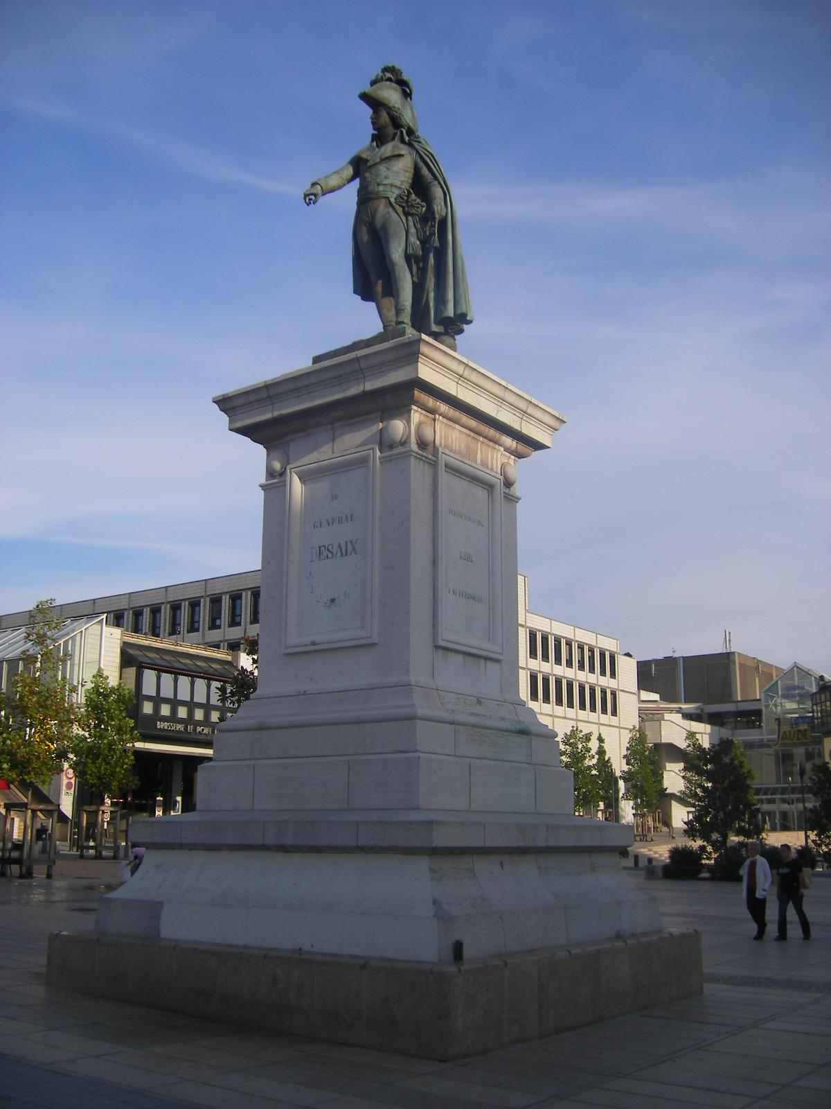 Statue du g n ral desaix clermont ferrand wikip dia - 5 chambres en ville clermont ferrand ...