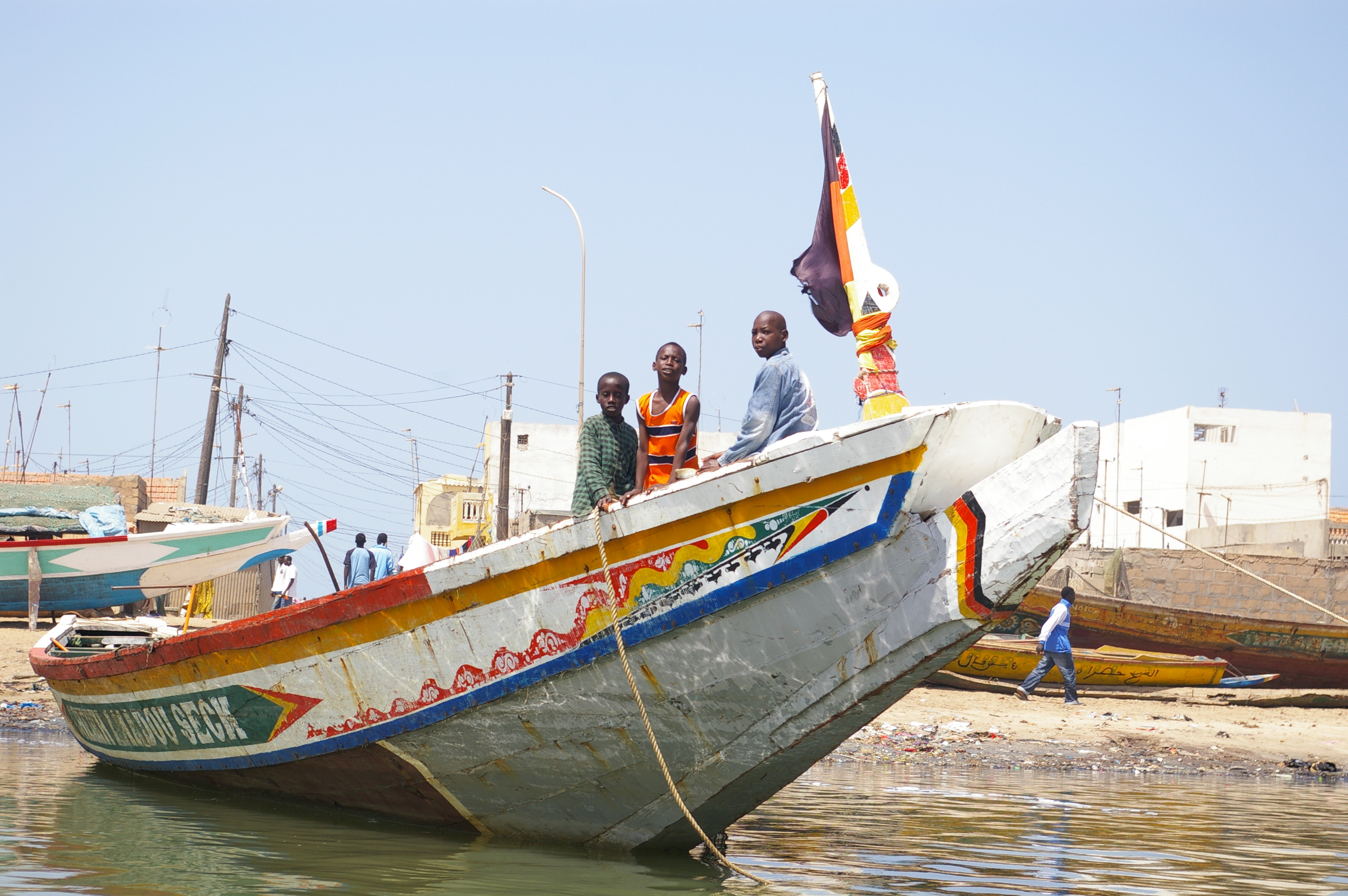 file fishing boat st louis senegal jpg wikimedia commons