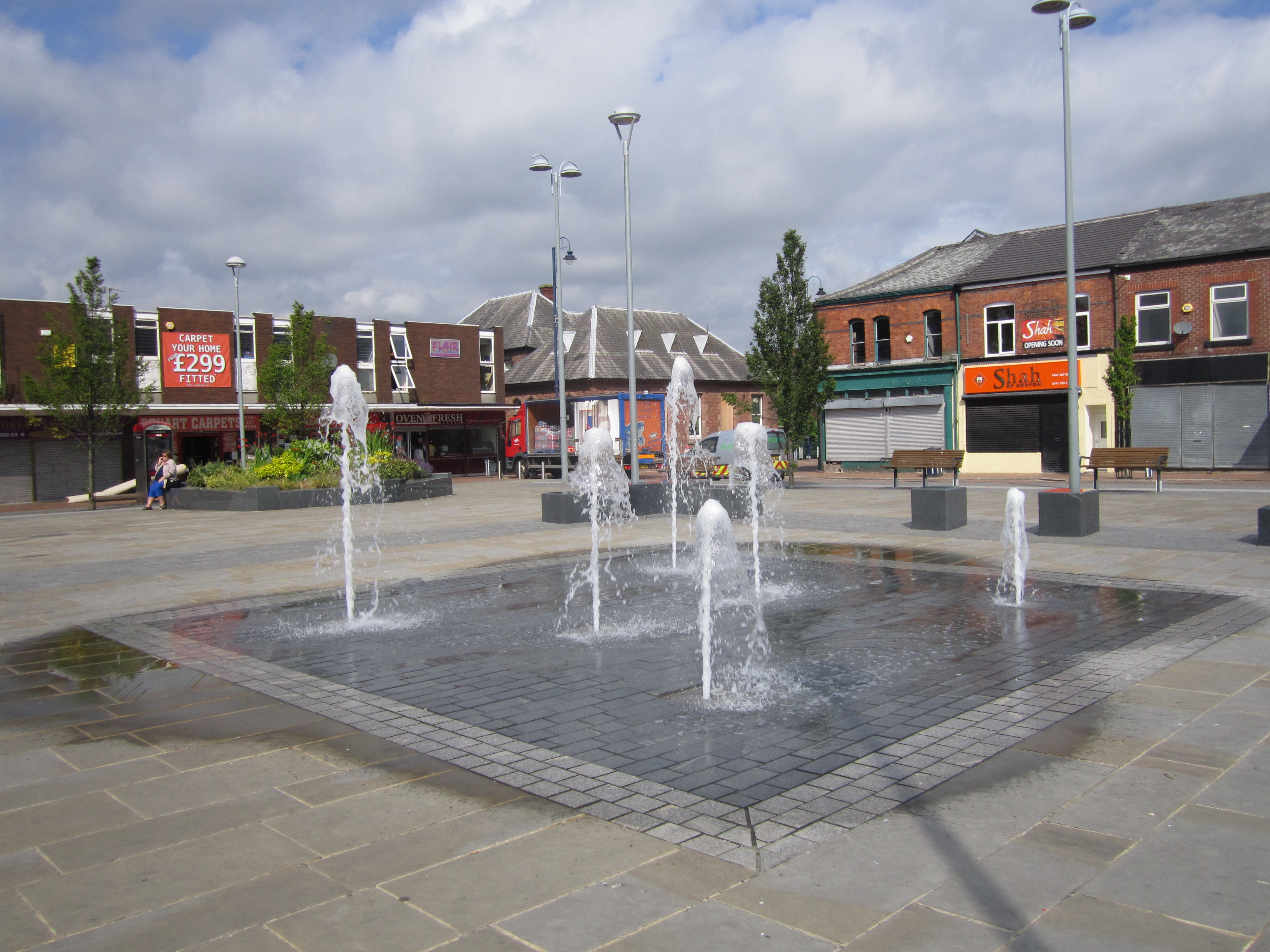 File Fountain At Denton Greater Manchester 2 Jpg Wikimedia Commons