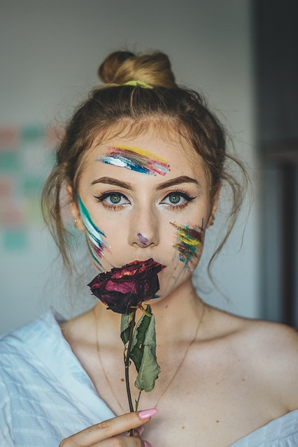 English Girls shows passion in their makeup.