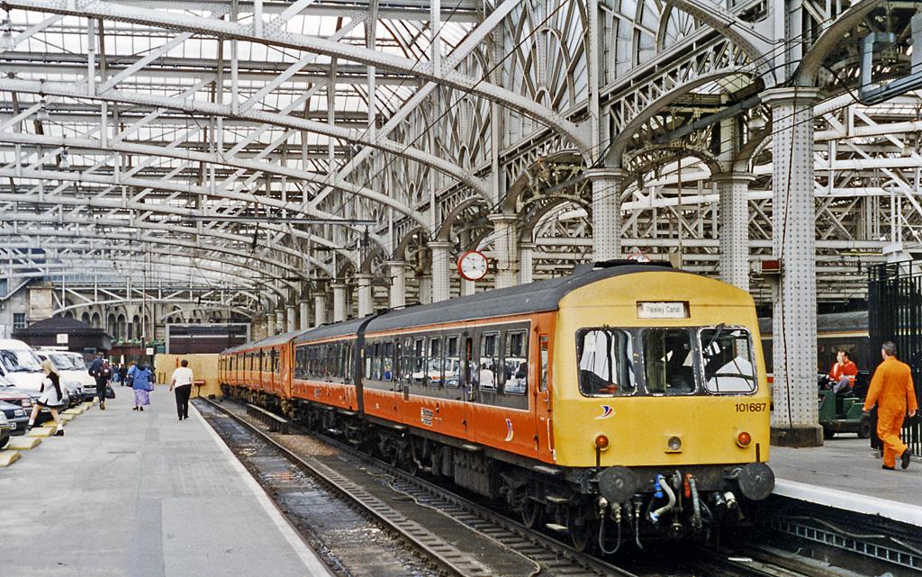 Venir à Glasgow : Train à la gare centrale (Central Station). Photo de Ben Brooksbank