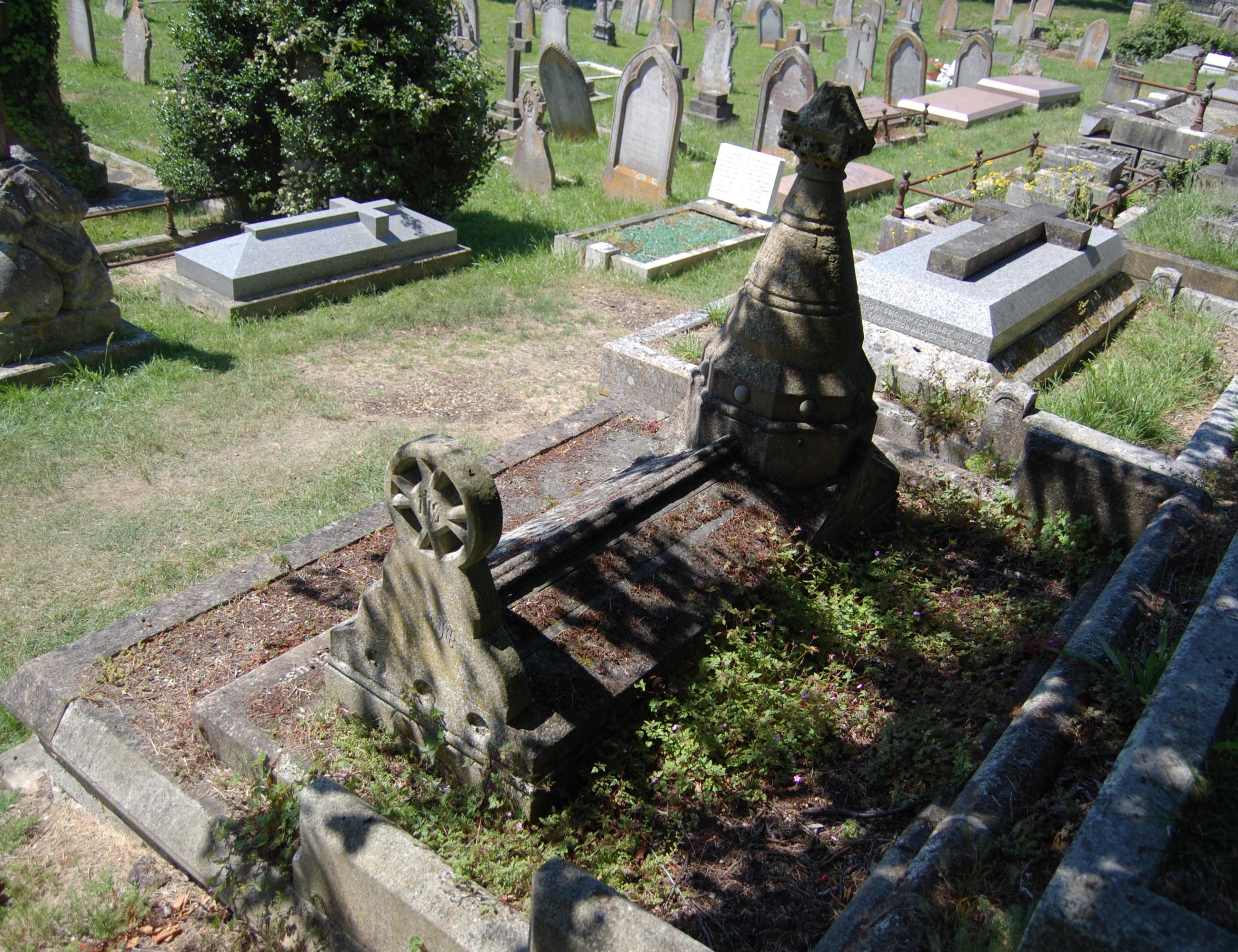 FileGrave Of Thomas Hellyer Ryde Cemetery June 2017 5JPG