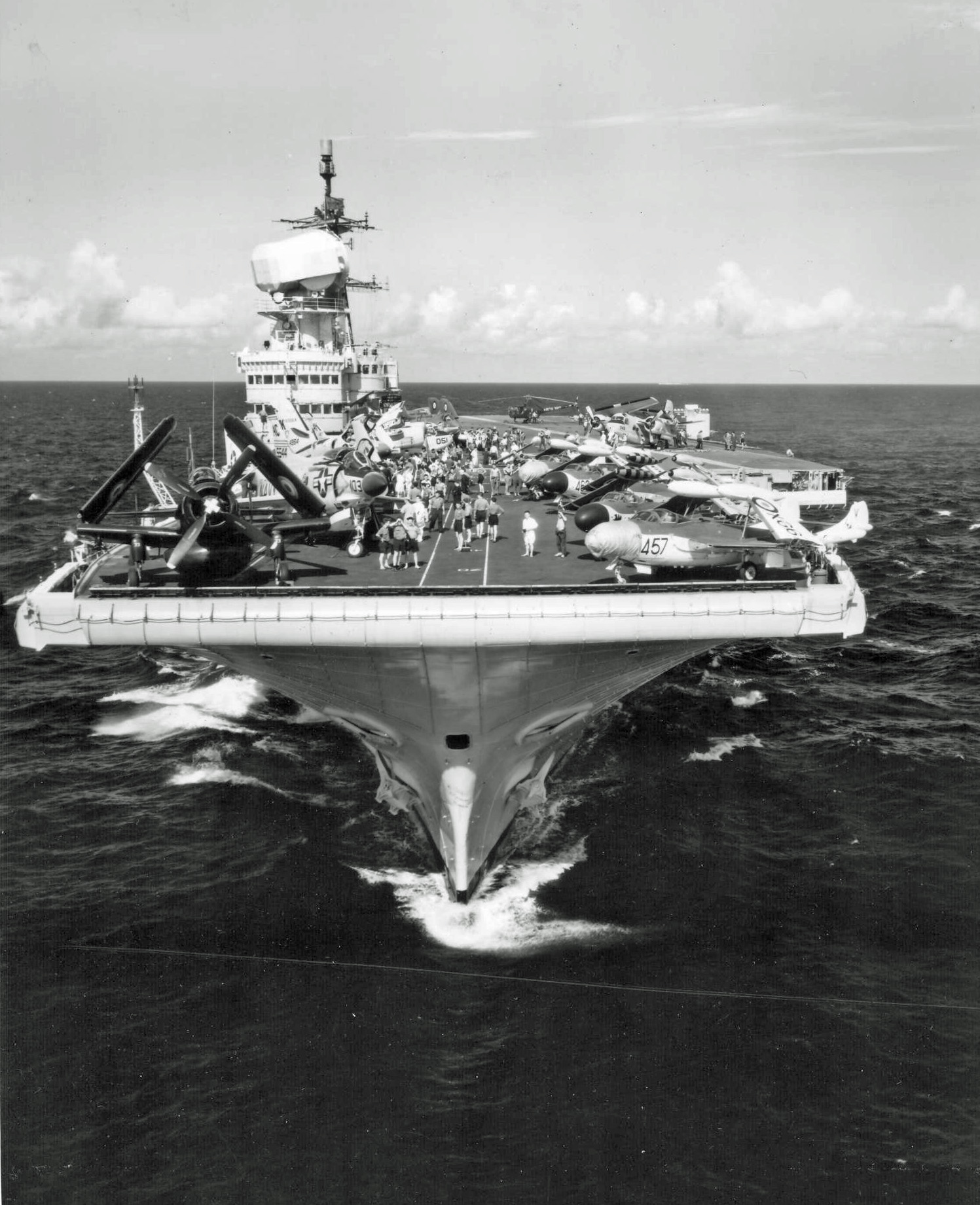 HMS_Victorious_bow_shot_1959.jpg