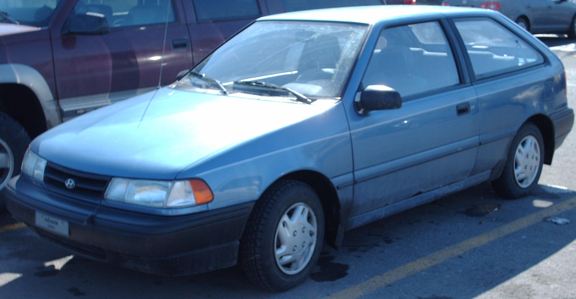 File Hyundai Excel Hatchback 92 94 Jpg Wikimedia Commons