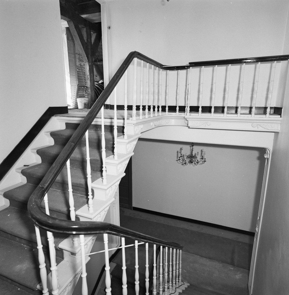 File interieur nr 17 trap bovenste verdieping 39 s hertogenbosch 20345498 - Interieur trap ...