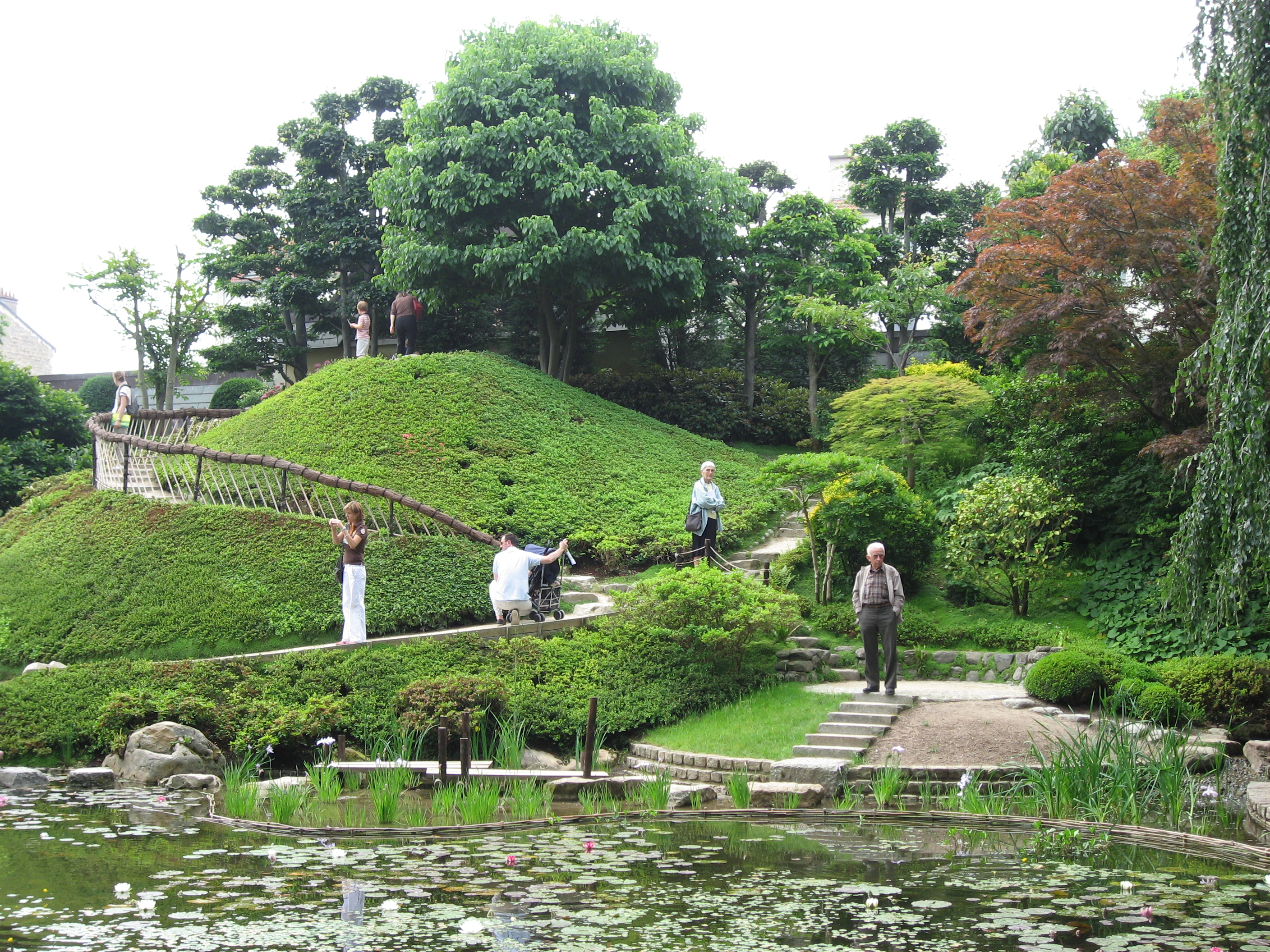 Jardin japonais for Jardin moderne photo