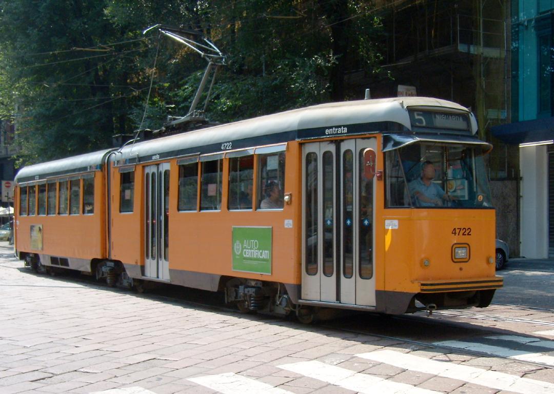 File milano piazza iv novembre tram for Arredare milano piazza iv novembre