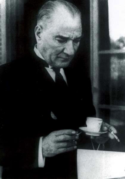 Mustafa Kemal Atat%C3%BCrk (1936).jpg