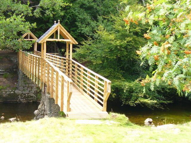 New Footbridge by Glen Tanar House - geograph.org.uk - 1478978