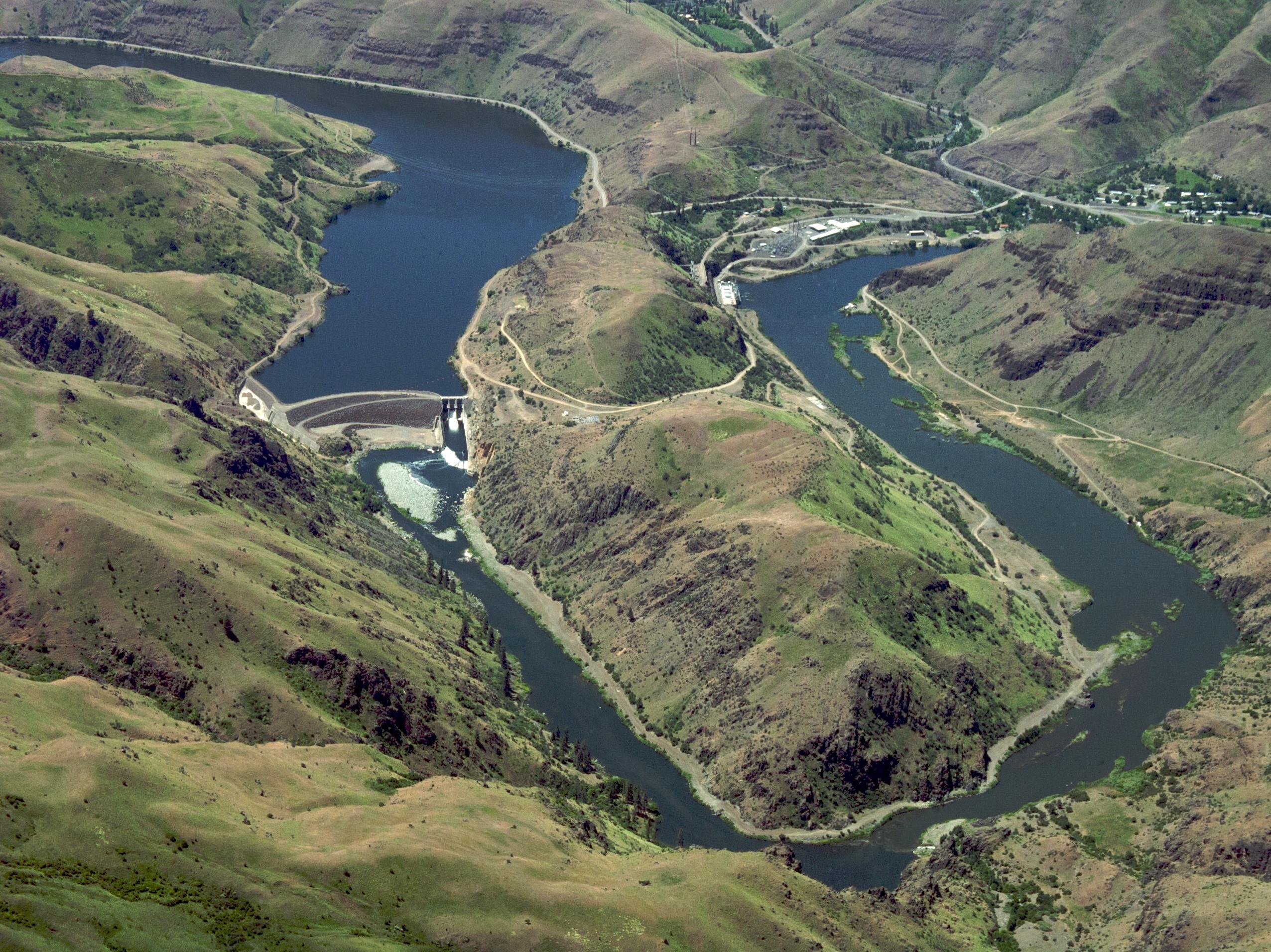 File Oxbow Dam Hells Canyon Snake River Panoramio Jpg
