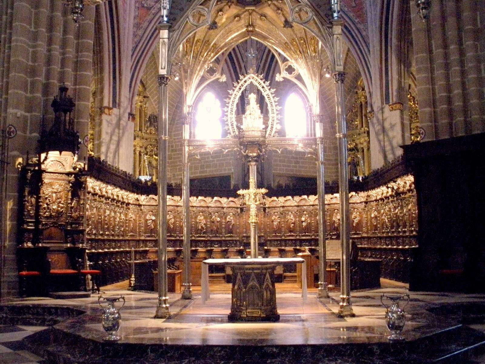 File:Pamplona - Catedral, interior 16.JPG - Wikimedia Commons