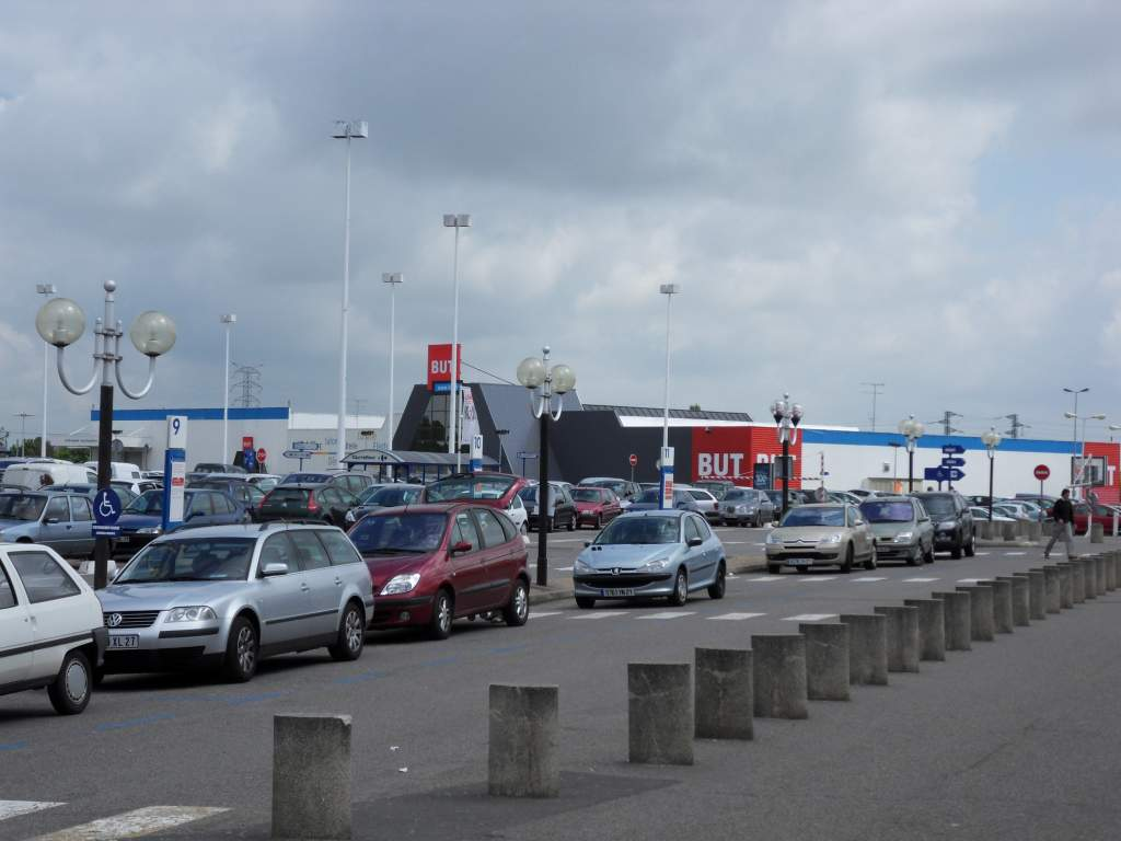 File parking centre commercial carrefour evreux jpg for Protector parking carrefour