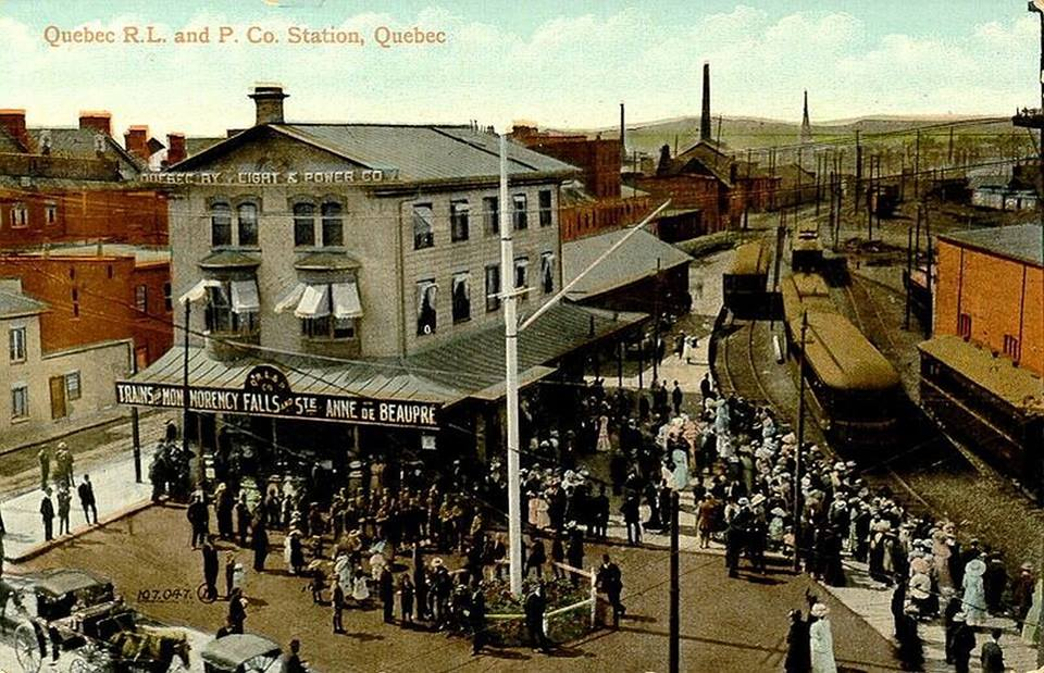 https://upload.wikimedia.org/wikipedia/commons/9/9c/Quebec_R.L._and_P._Co._Station%2C_Quebec.jpg