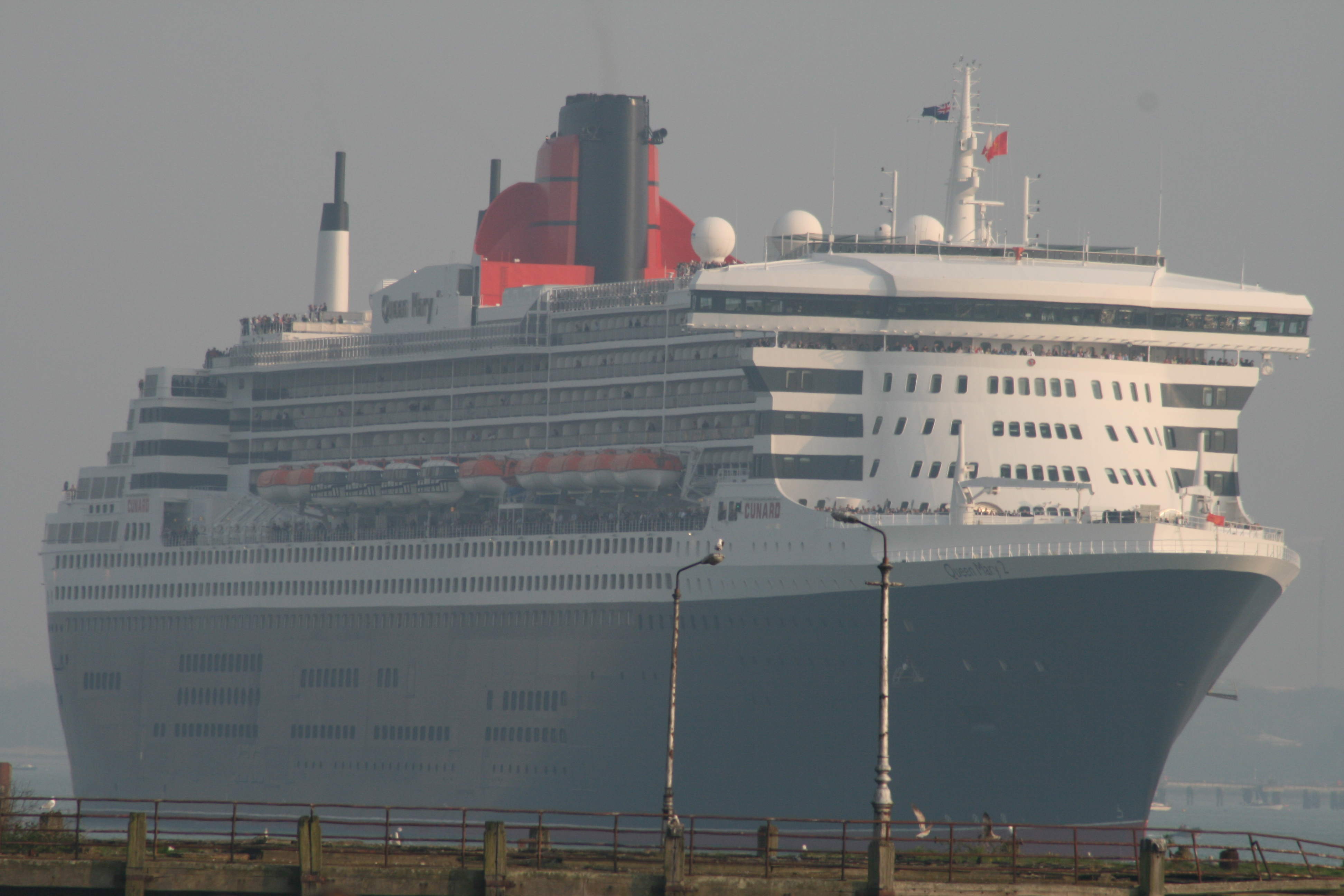 1000 images about queen mary 2 on pinterest queen mary for Garderobe queen mary 2