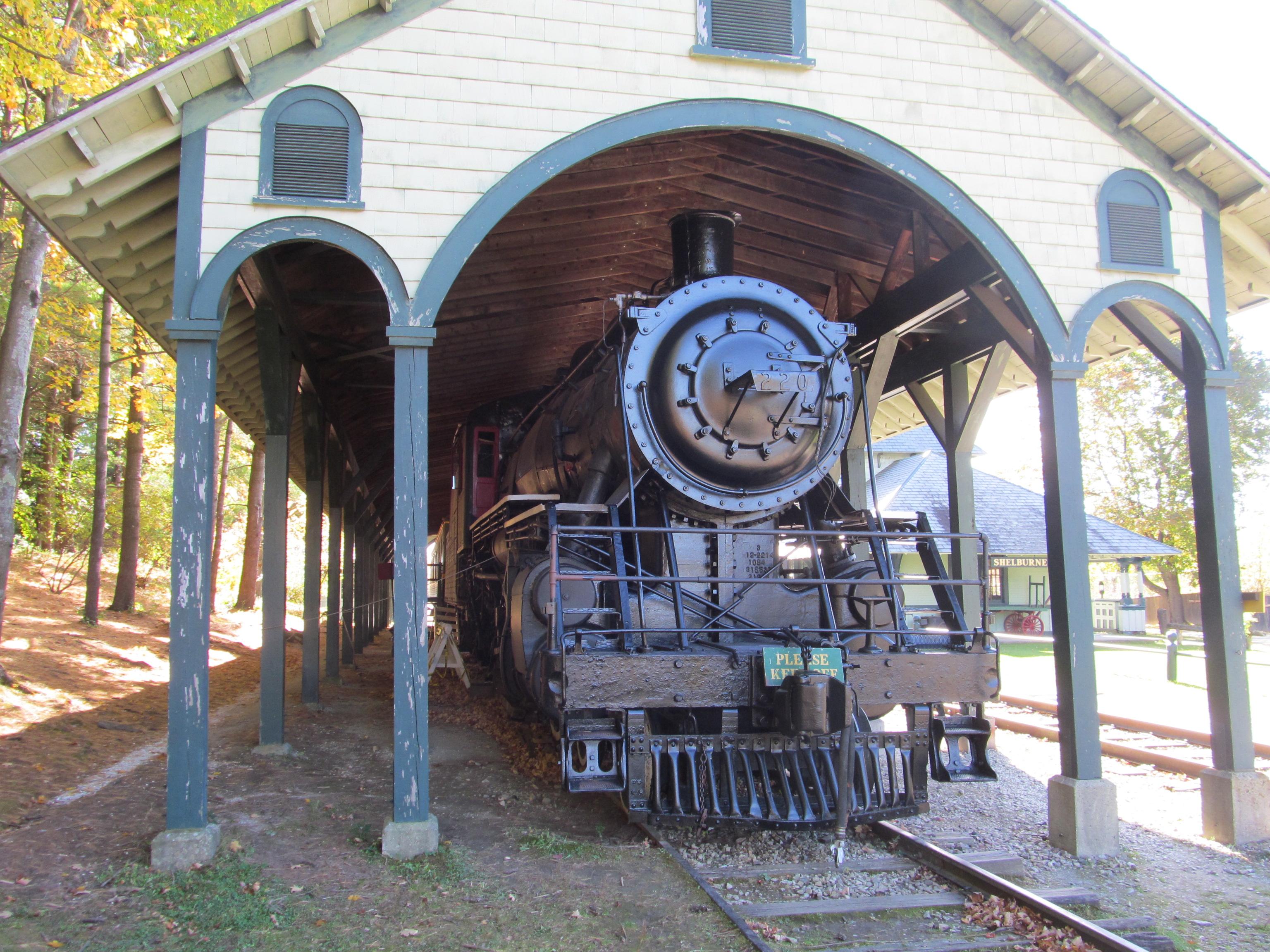 File:Rail Locomotive No 220, Shelburne Museum, Shelburne