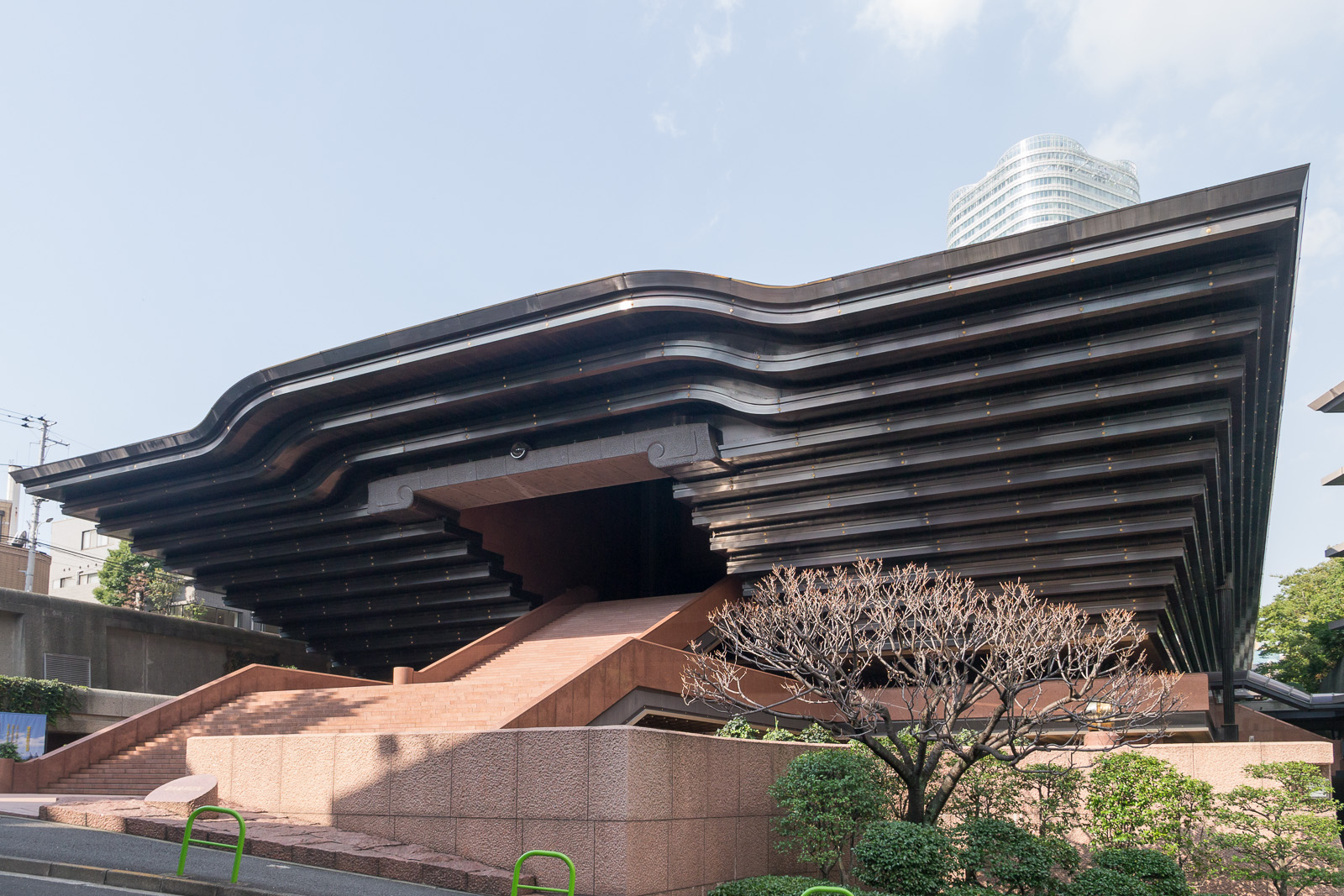 Hauptsitz der neuen Neureligion reiyukai in Tokyo.