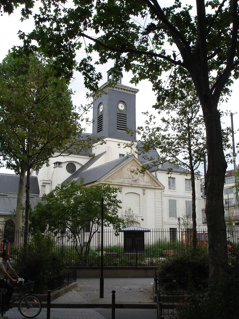 Rue Saint-Bernard Eglise Sainte-Marguerite3.jpg