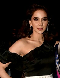 Saba Qamar and Manish Malhotra grace Masala Awards 2017 (cropped).jpg