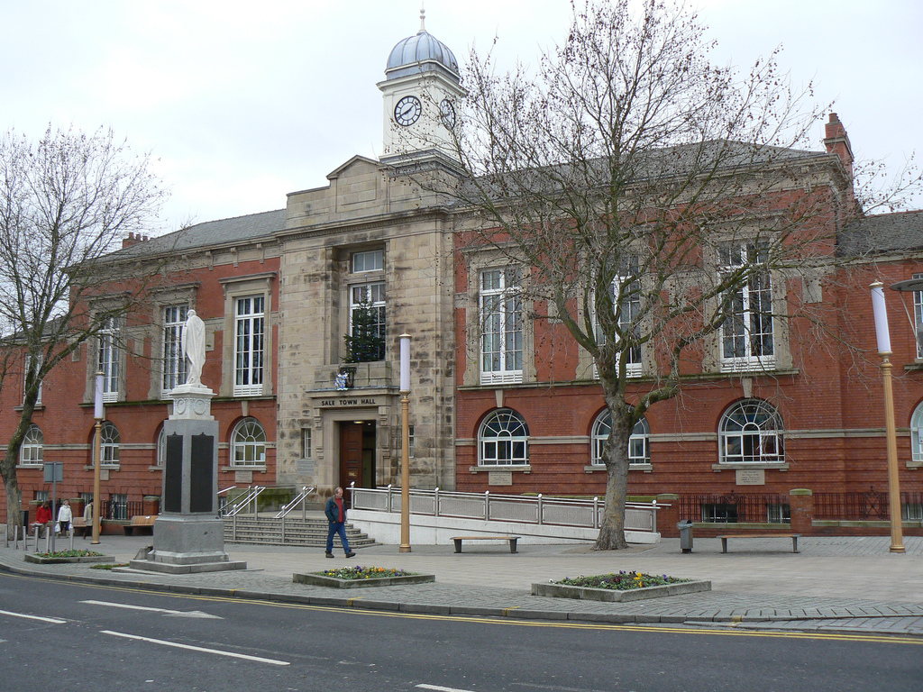 File Sale Town Hall 1 Jpg Wikimedia Commons