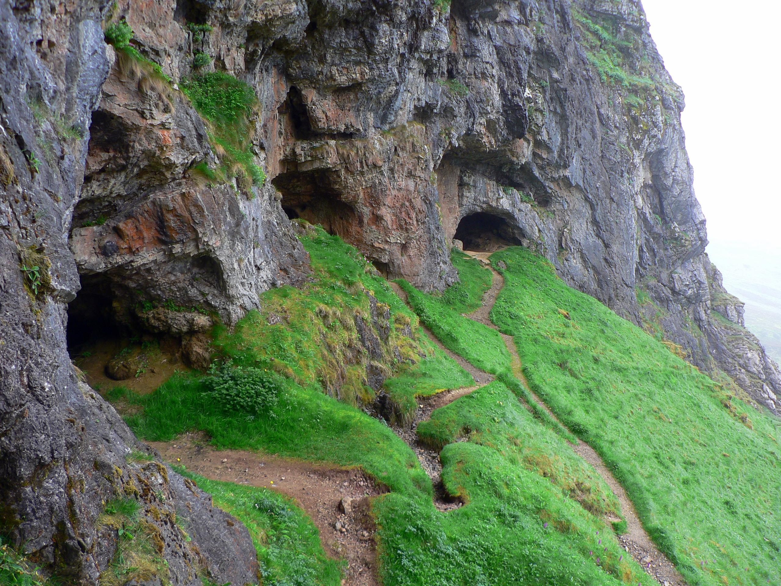 Description Scotland Inchnadamph Bone Caves.jpg