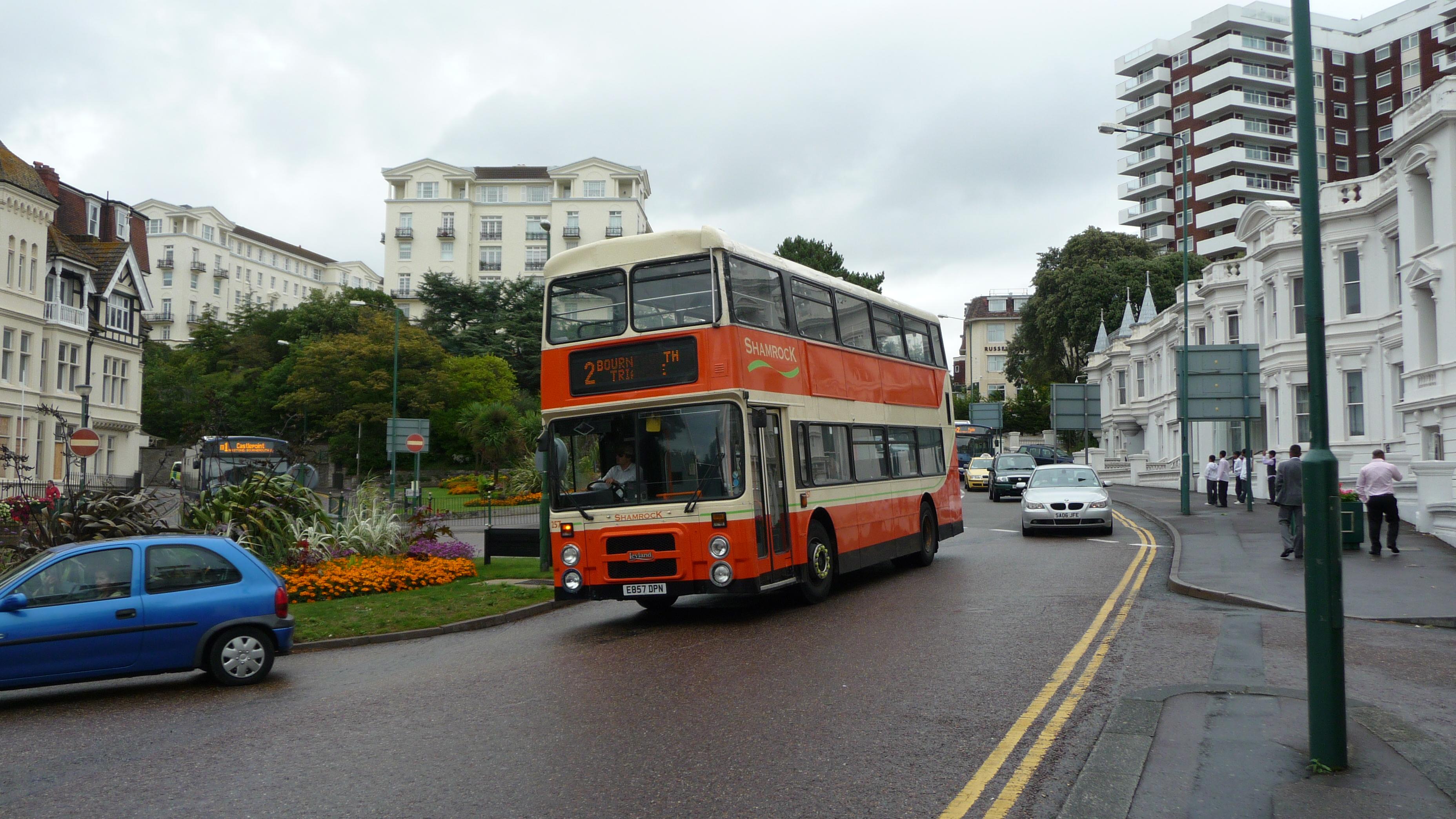 shamrock buses 257 e857 dpn.jpg